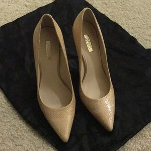 Guess gold nude pumps